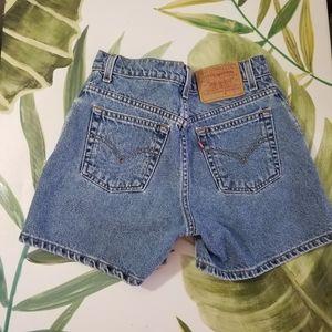 Levis 90's Jean Shorts